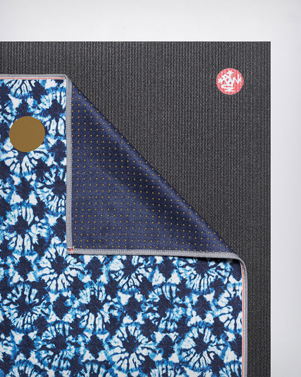 MANDUKA yogitoes® yoga towel - tesselate