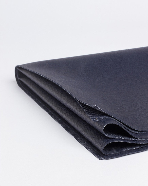 Manduka Travel Mat Midnight | Yogashop Klagenfurt