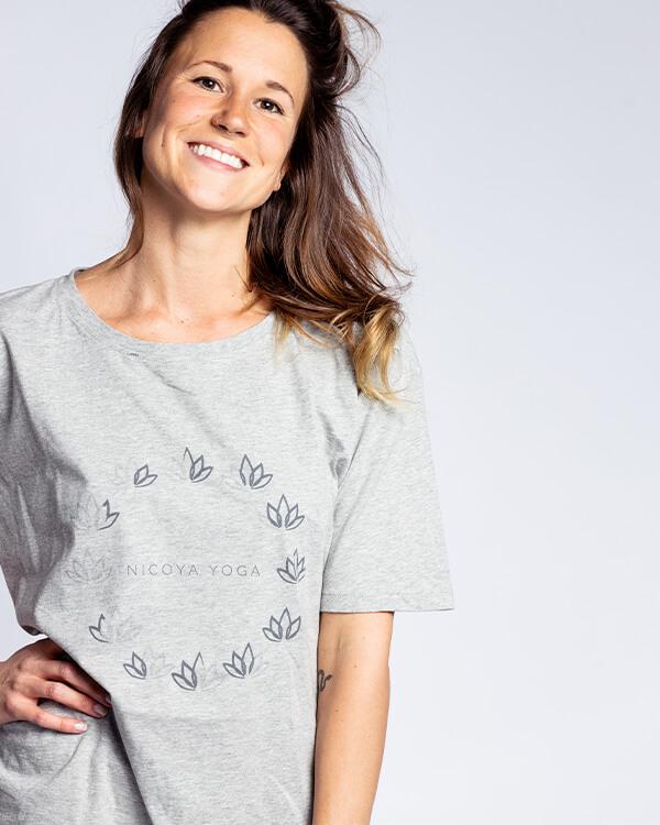 Nicoya Soul Wear – T Shirt Bloom Grey